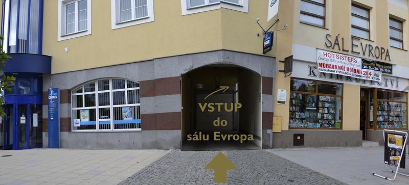 Vstup do sálu Evropa - panorama, 800x363, 49.40 KB
